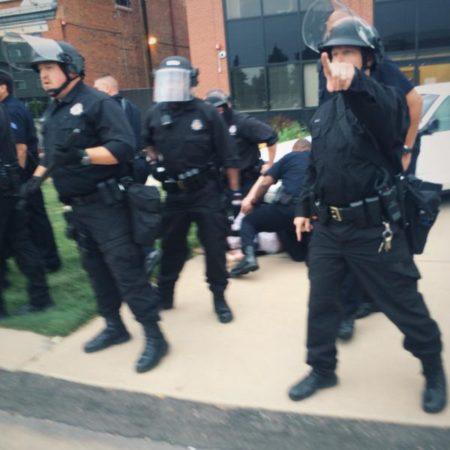 Denver Police confront people protesting the killing of Paul Castaway. Denver, Colorado June, 20 2015. (Twitter / Jason Metter)
