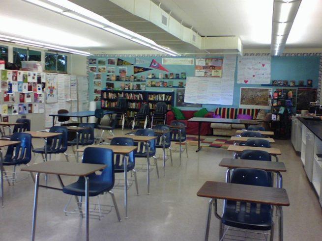 File: A elementary school classroom. November 29, 2007. (Flickr / Kari Bluff)