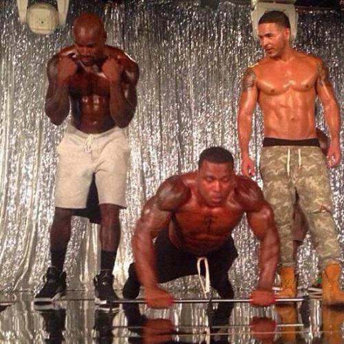 chocolate-city-training-flex-muscles-beckford-bar-training