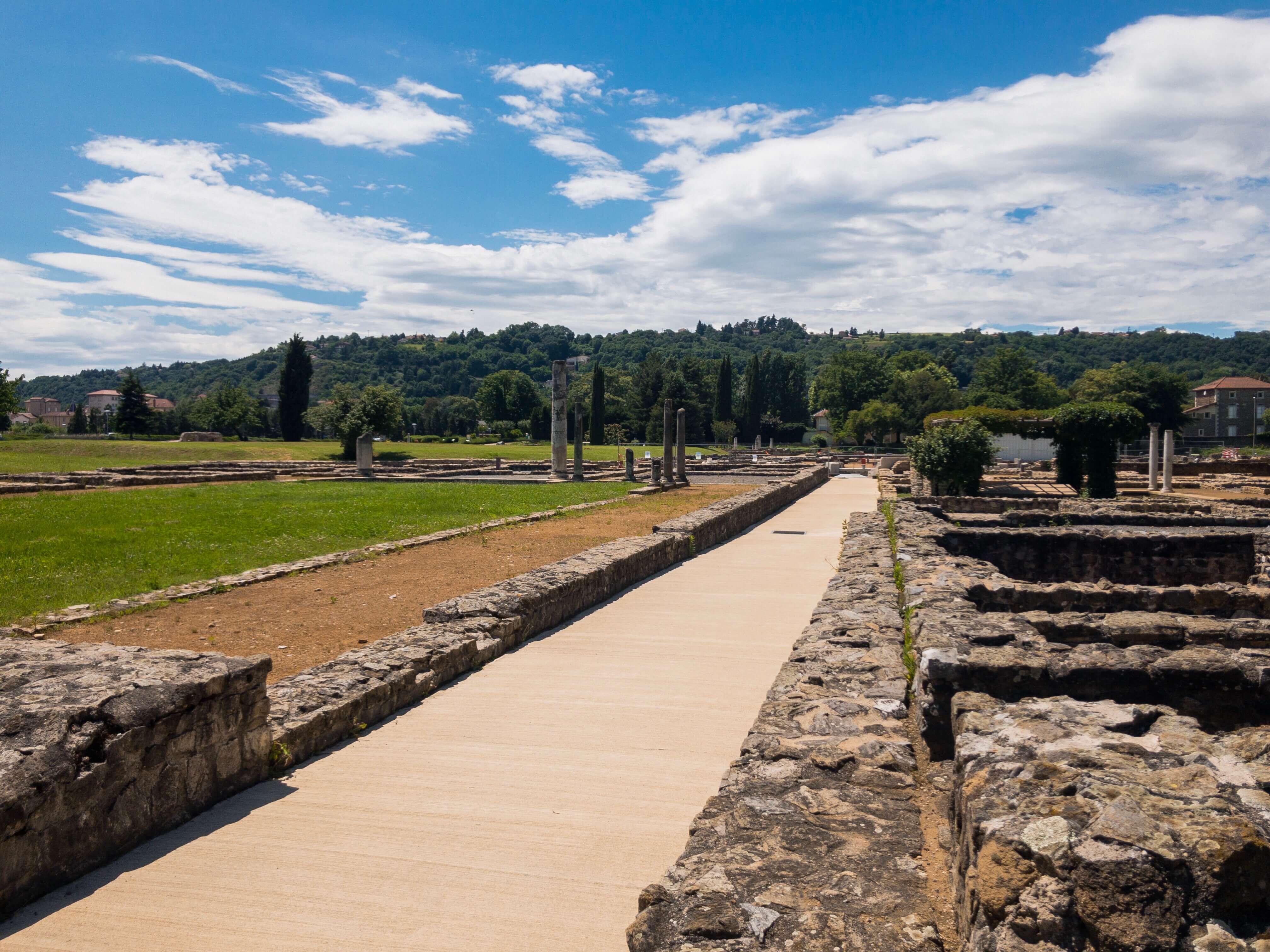 ガロ・ローマ博物館の外側