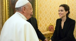 Angelina Jolie Has Private Audience With The Pope