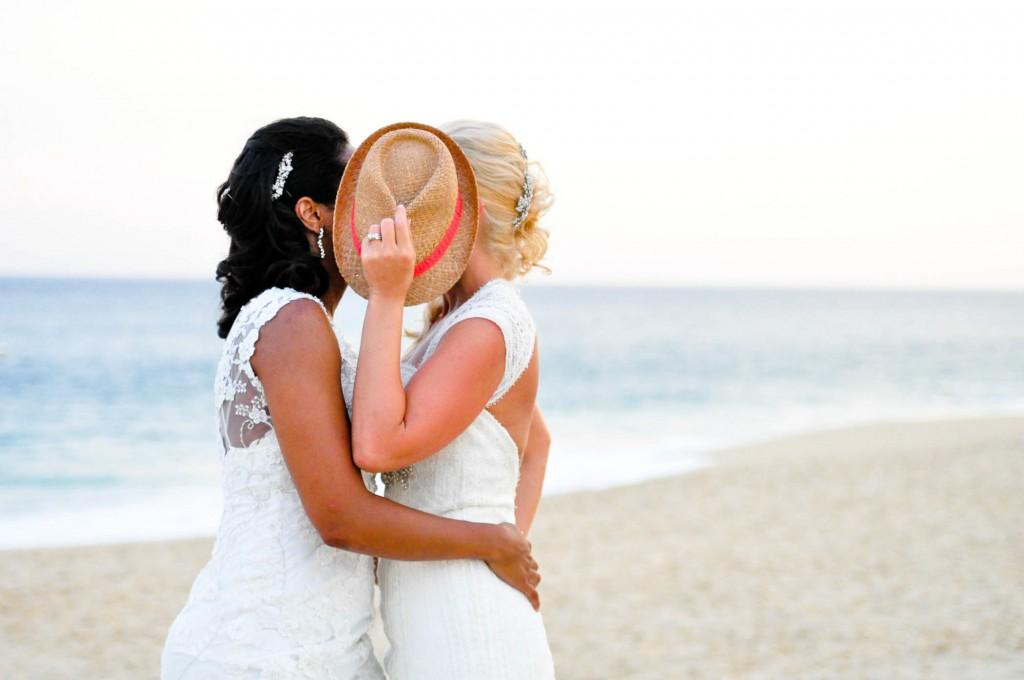lesbian-wedding-03