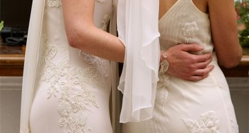 Free Services For Lesbians Hurrying to Get Married Before Trump's Inauguration