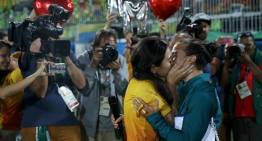 Brazilian Women's Rugby Star Receives Marriage Proposal From Girlfriend Following Finals At Rio 2016