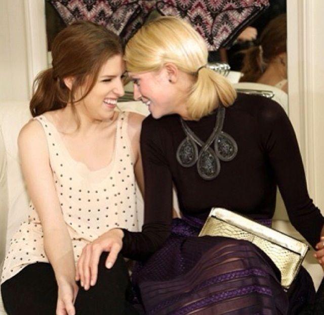 Anna Kendricks Lesbian Kiss 28
