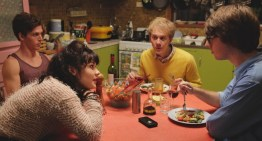 'Please Like Me' is a Hilariously Depressing Show (That You Will Love)