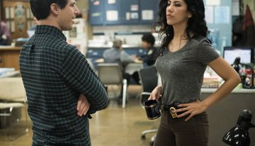Rosa Diaz Comes Out As Bisexual, And Stephanie Beatriz Couldn't Be Happier
