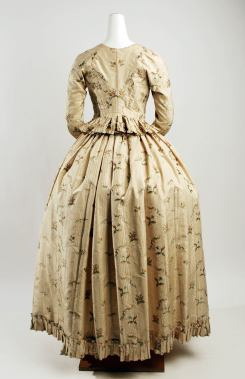 Gown and petticoat, 1790-1794 MMA C.I.45.6a,b