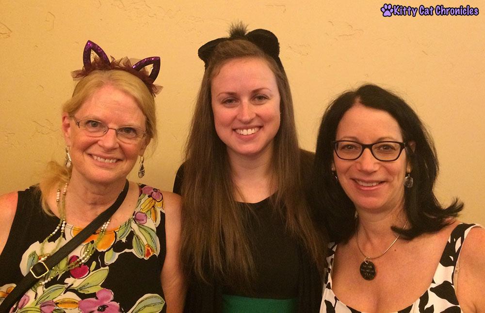 Cat Blogging Ladies - BlogPaws