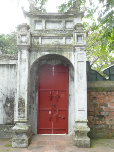 Sweet red door at the Temple of Literature