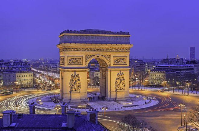 Zafer Takı Paris, Paris gece hayatı