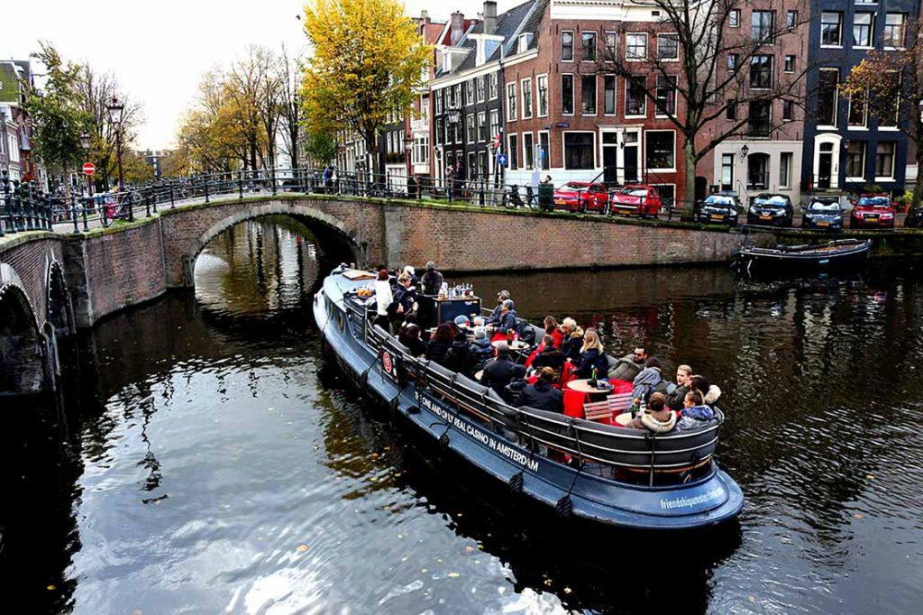 Amsterdam Fotografları, Amsterdam Nerede Kalınır, Amsterdam Hollanda, Amsterdam Kanalları
