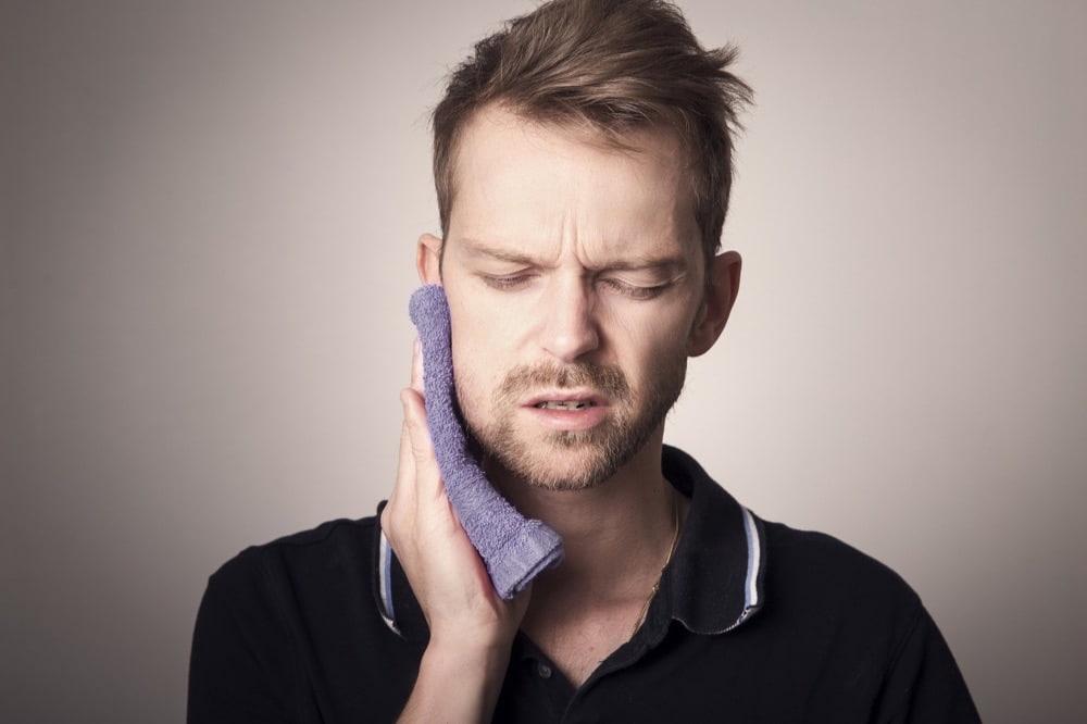 「腫れる、腫れている」って英語で何て言う?
