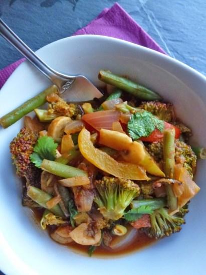 kiwi-forme.net-poêlée de légumes sauce tomate cacahuète14