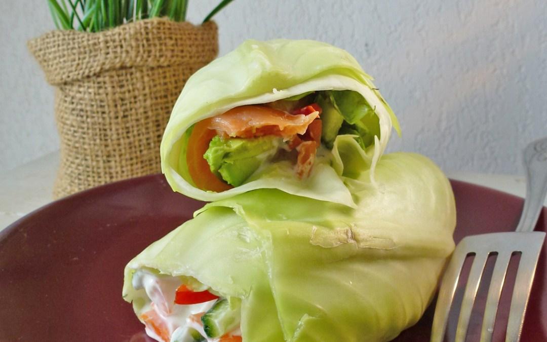 Wrap de légumes crus et saumon fumé, sauce légère au fromage  de chèvre et  de brebis ( sans céréales, léger)