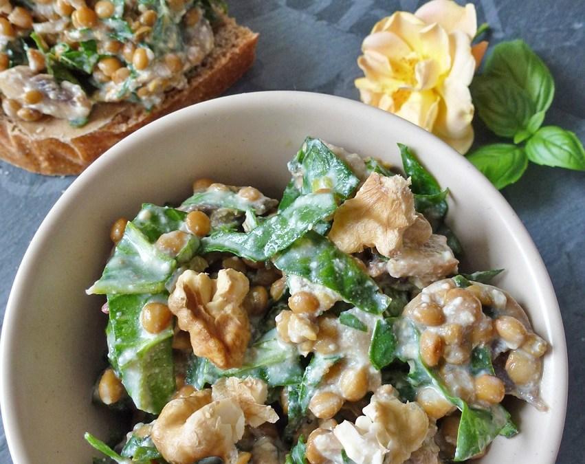 salade repas de lentilles noix et basilic  ( option végan )