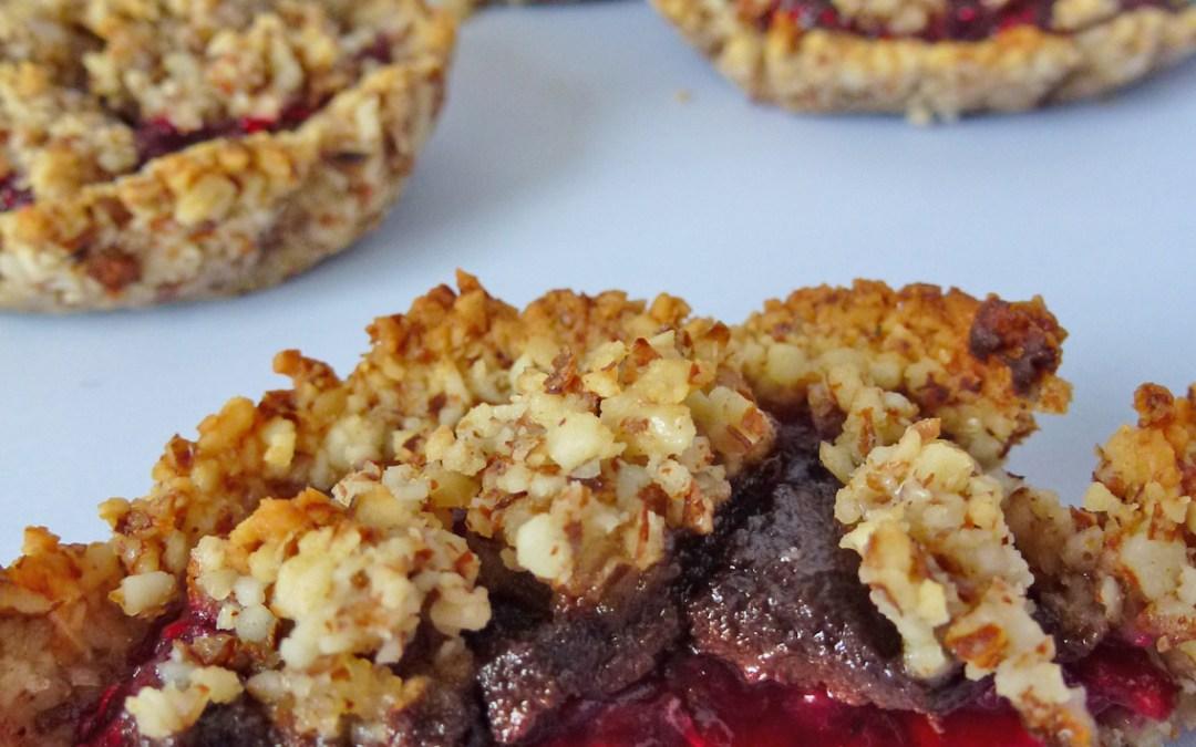 Mini tartelette sans cuisson  ( Amandes, noisettes, framboises et chocolat) la plus saine des tartelettes !! Faible IG, Sans céréales, Végan