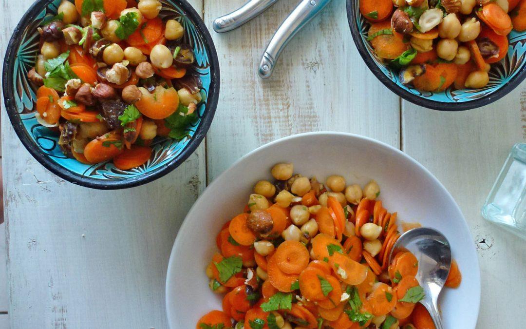 Salade croquante et parfumée de carottes et pois chiches
