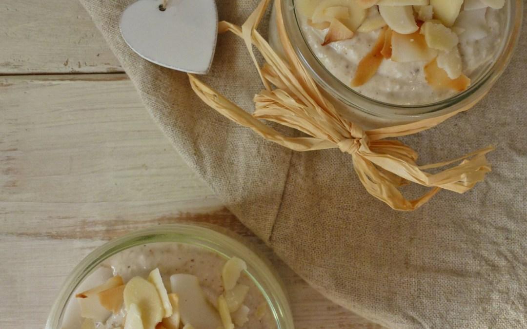 Porridge aux flocons de riz, banane, vanille et noix de coco ( vegan, sans gluten, sans sucre ajouté )
