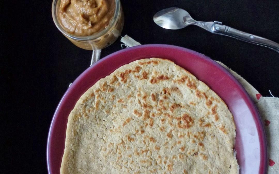 Crêpes de flocons d'avoine et sa crème d'abricots secs ( vegan )