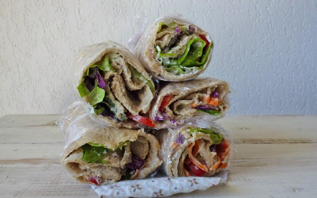 Crêpes façon wraps, avoine et sarrasin. Garniture au chèvre frais et légumes crus ( sans oeufs )
