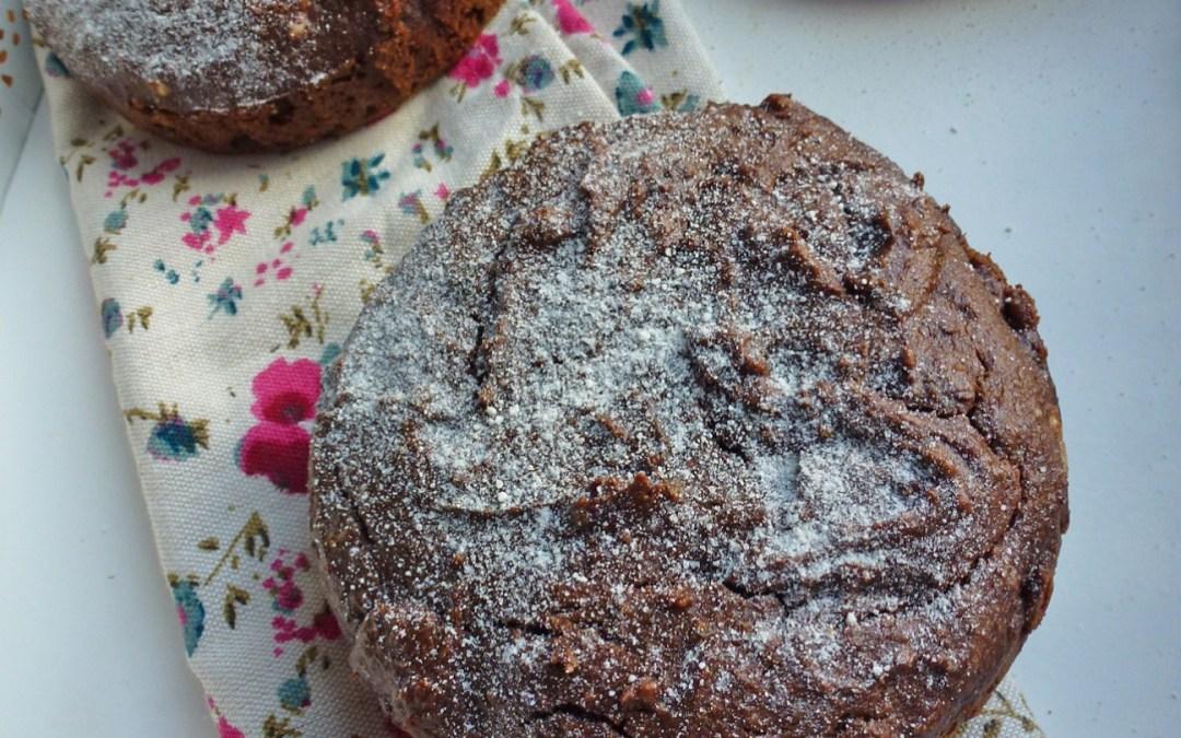 Gâteau chocolat/noisettes à la farine de châtaigne et de sarrasin  ( sans céréales )