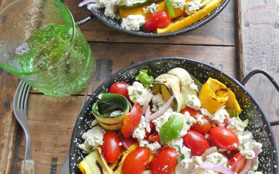 Salade de tomates cerises, courgettes grillées et fromage de tofu au basilic  ( + infos sur le soja…)