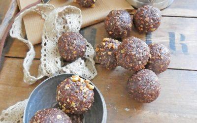 Energy balls aux noisettes, flocons d'avoine et cacao  ( Vegan )