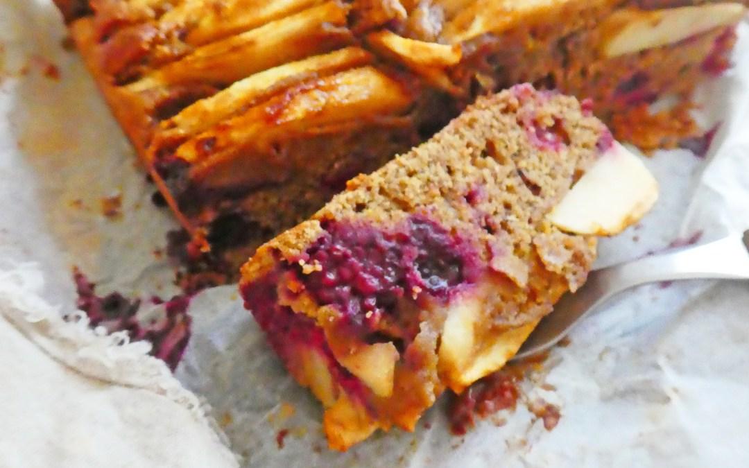 Gâteau rustique pommes myrtilles au sarrasin, épeautre et orge mondé