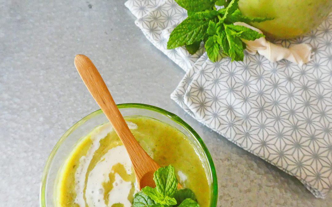 Velouté froid de courgettes parfumé à la menthe  ( Vagan, sans céréales, léger )