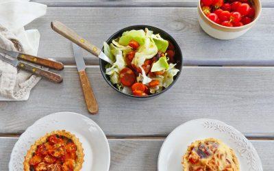 Tartelettes sans céréales aux carottes, oignons rouges et tapenade ( 2 options ; vegan ou pas )