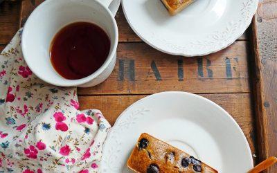 Petits gâteaux aux myrtilles et éventuellement aux morceaux de chocolat….  ( Index glycémique contrôlé, sans céréales, sans gluten, peu sucré )