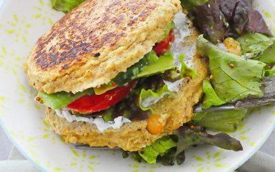 Pain de pois chiche et de flocons, pour une idée de burger  végétarien sans pain  ( Option sans gluten, voire sans céréales et sans lactose )