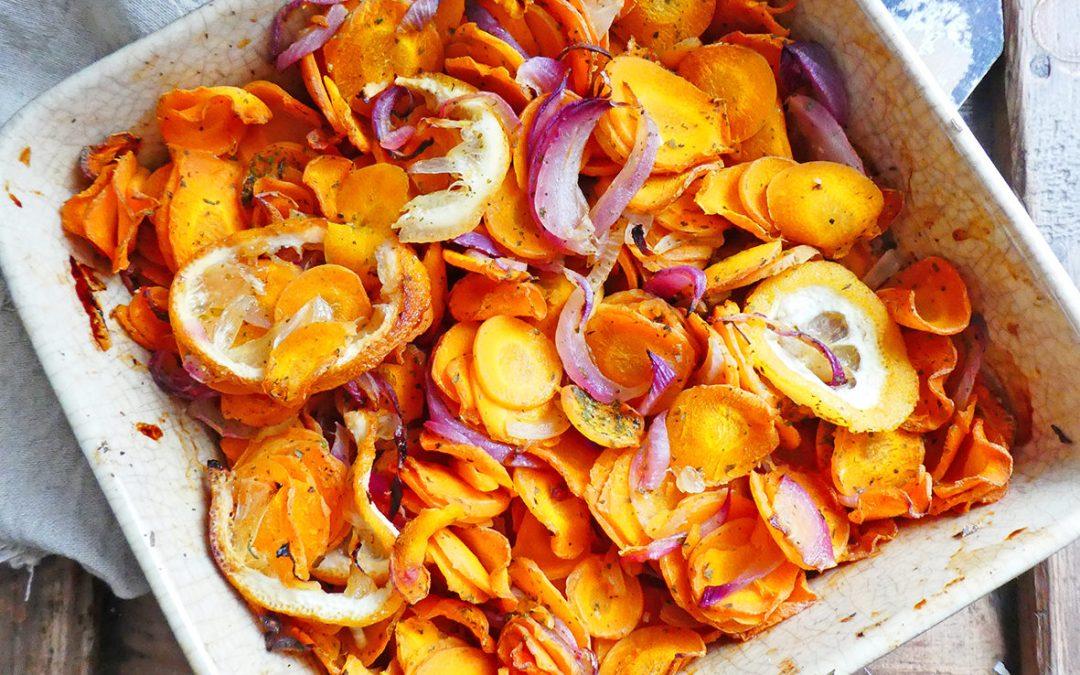 Carottes rôties aux citrons et oignons rouges