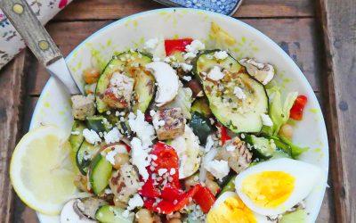 Salade complète au tofu, courgettes et poivrons cuits ( Vegan ou végétarienne, sans gluten, sans céréales )