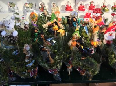 Posies of fresh fir and berries
