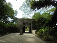 La porte du fort bâtie par les anglais