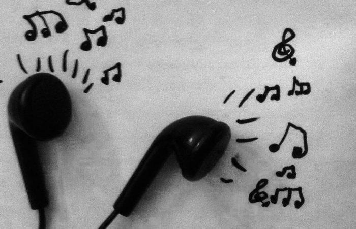 自分を知りたいあなたへの、音楽を使ったセルフセラピーの方法