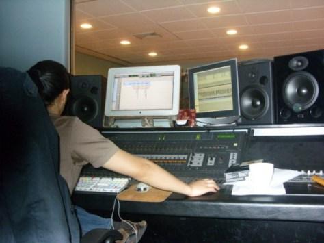 1330661536_aki-working-his-magic