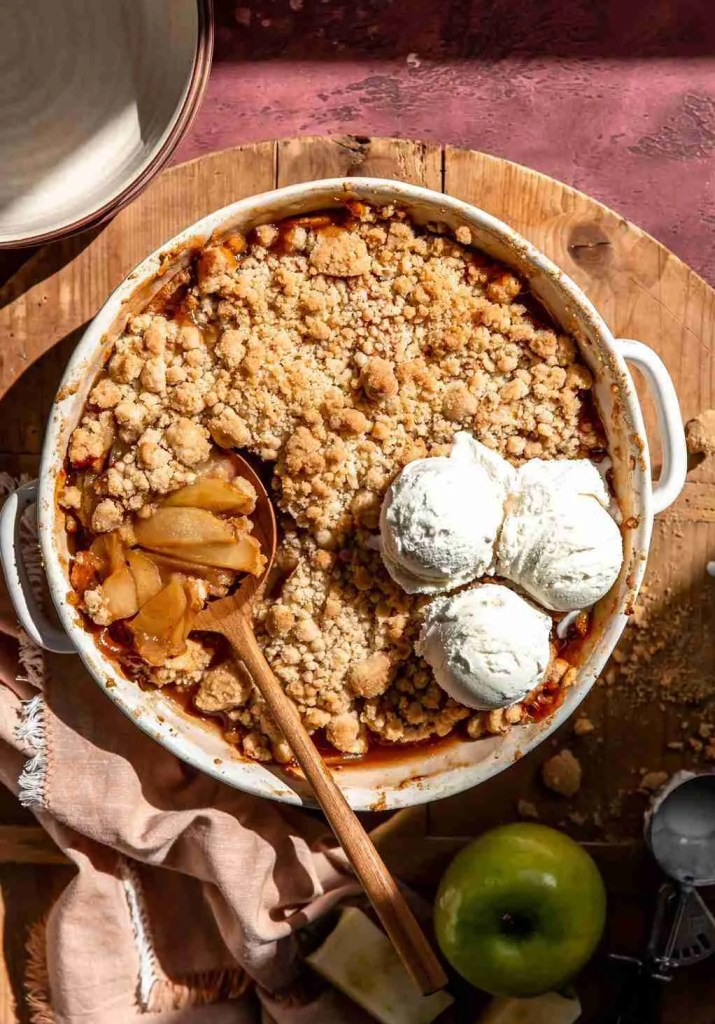 Apple Crisp - KJ & Company