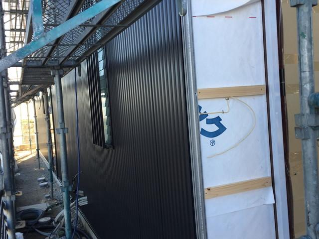 外壁鈑金工事STARTです