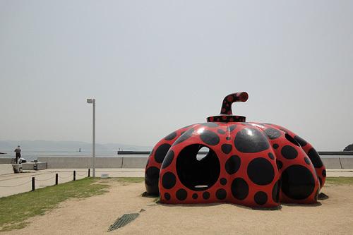 直島カボチャ
