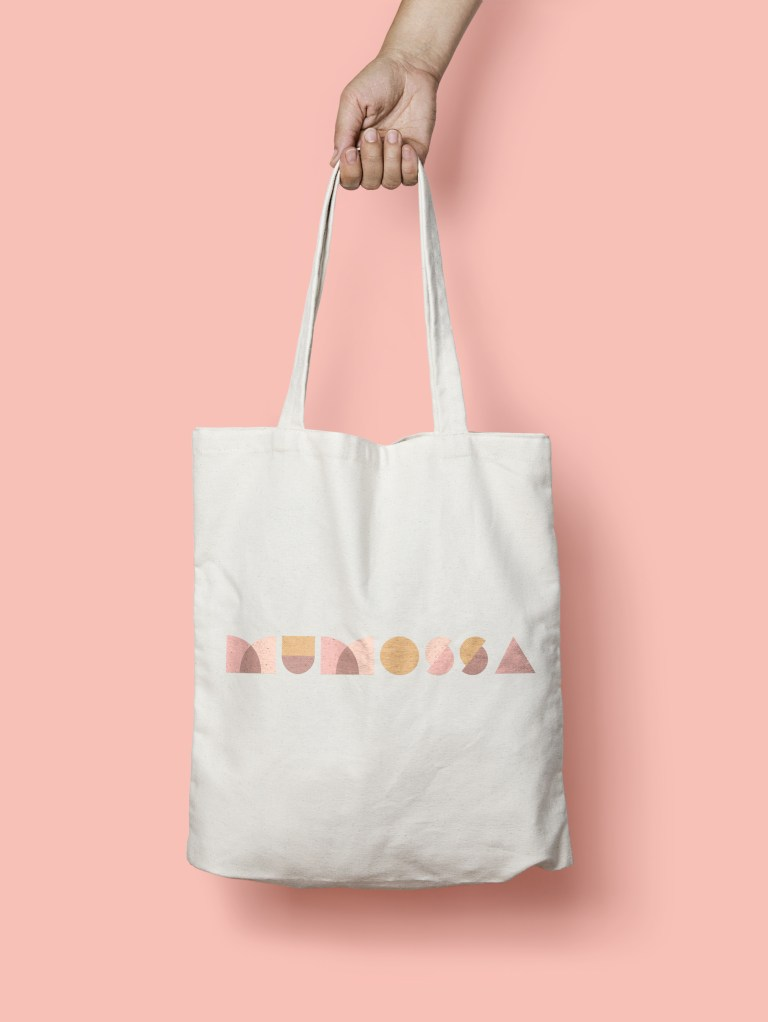 A tote with mumossa printed on it