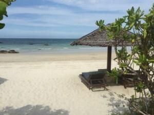 楽園!白砂とエメラルドの美しいビーチ@ビンタン