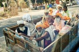 Ein Kafig voller Helden - auf dem Weg nach Mathura
