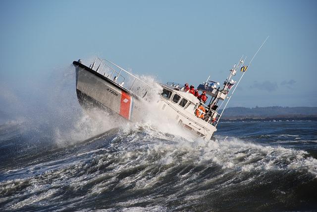motor-lifeboat-2037942_640.jpg