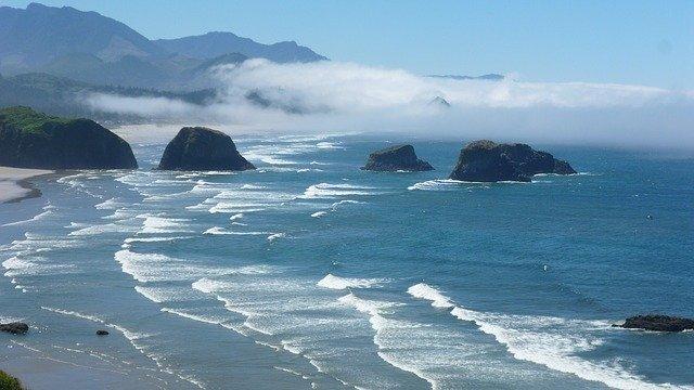 Oregon Coast: Live whale watching feed from Depoe Bay Oregon