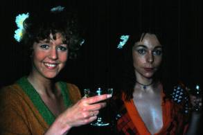 Upptökur á Undir sama þaki 1976. Elfa Gísladóttir og Guðrún Gísladóttir.