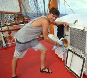 Beim Reinschiff poliert der eine, ...