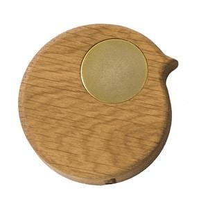 BiRPmagnet i egetræ med gyldent øje